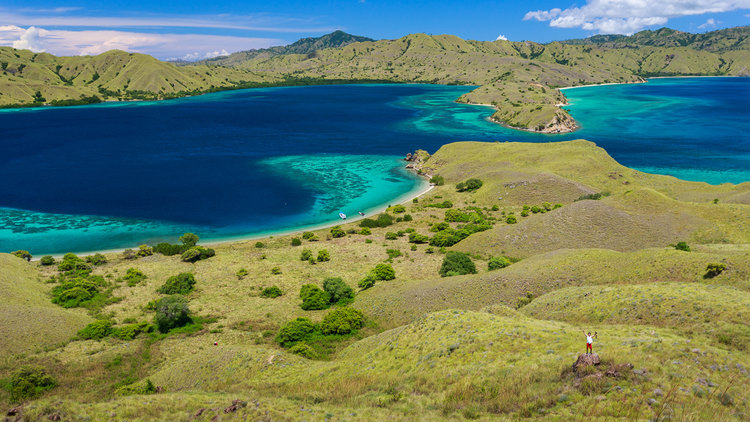 Gili lawa darat with amazing view - open trip labuan bajo
